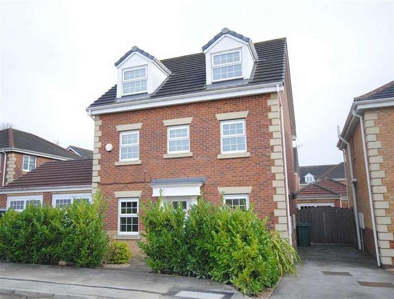 5 Bedrooms Detached House for sale in Queens Court, Great Preston, Leeds, LS26