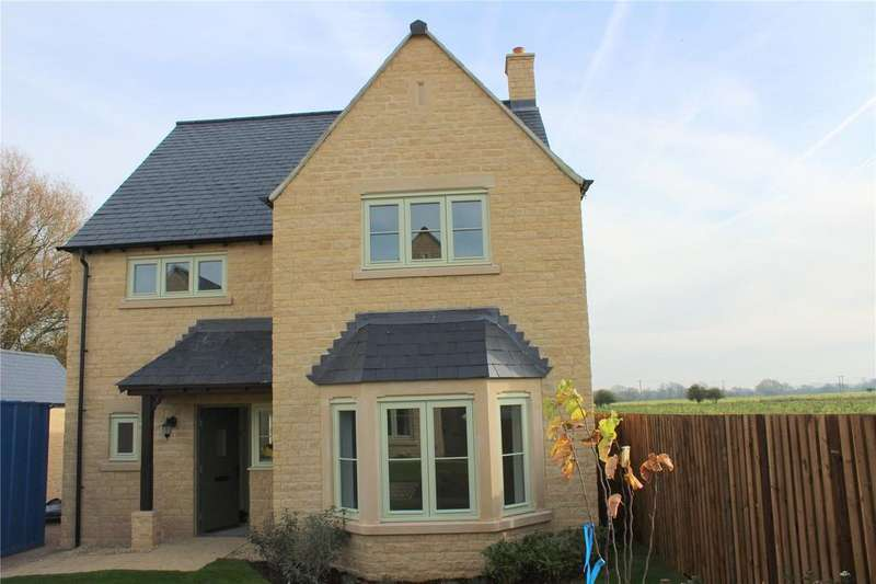 3 Bedrooms Detached House for sale in Old Railway Close, Lechlade, Gloucestershire