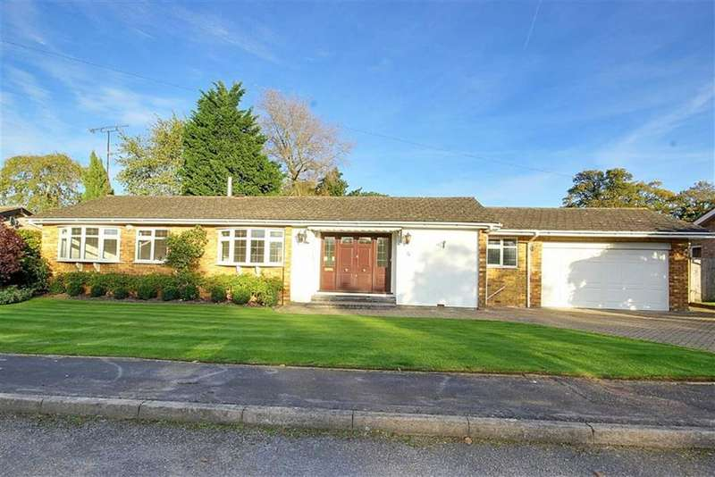 2 Bedrooms Bungalow for sale in Ash Close, Brookmans Park, Hertfordshire