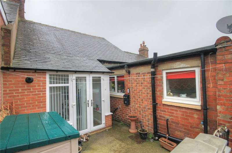 2 Bedrooms Terraced Bungalow for sale in Manor Road, Stanley, Durham, DH9