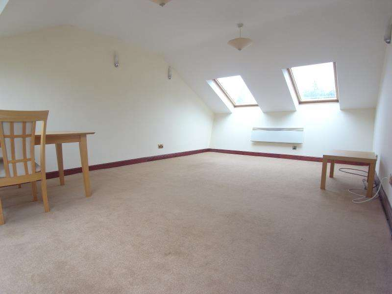 2 Bedrooms Apartment Flat for rent in WOODLEIGH HALL MEWS, KNOTT LANE, RAWDON, LEEDS, LS19 6JW