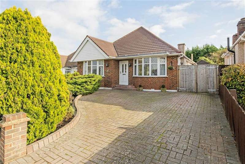 3 Bedrooms Detached Bungalow for sale in Highfield Drive, Ewell, Surrey