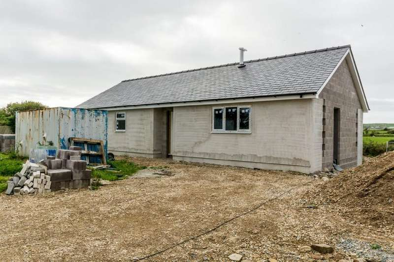 3 Bedrooms Detached Bungalow for sale in Talafon, Botwnnog, North Wales