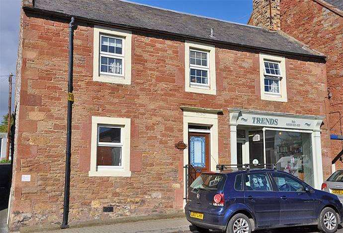 2 Bedrooms Terraced House for sale in Fernbank Main Street, St Boswells, TD6 0AP