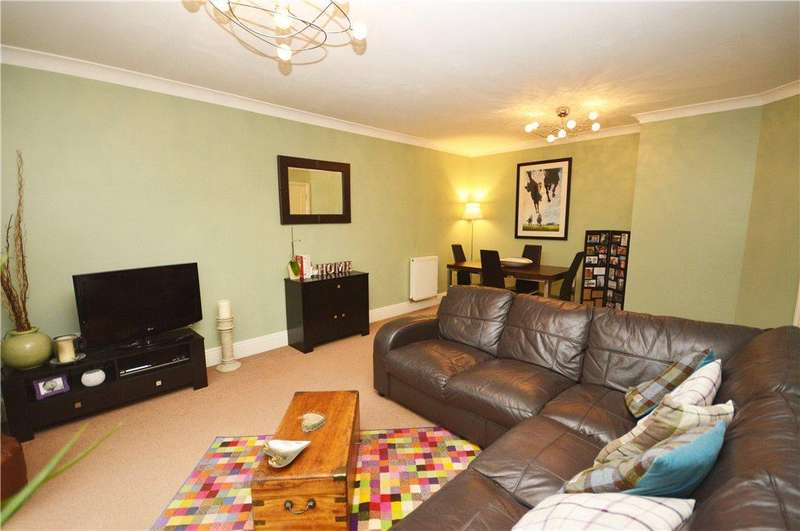 2 Bedrooms Apartment Flat for sale in Airedale Place, Baildon, Shipley, West Yorkshire