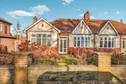 3 Bedrooms Bungalow for sale in Coniscliffe Road, Darlington