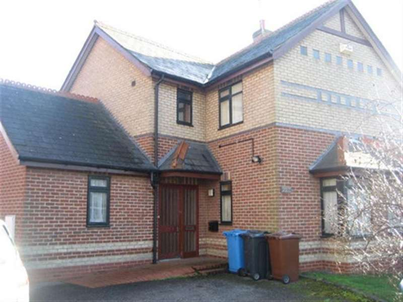 3 Bedrooms House for rent in 203 St Georges Road, Newington, Hull, East Yorkshire