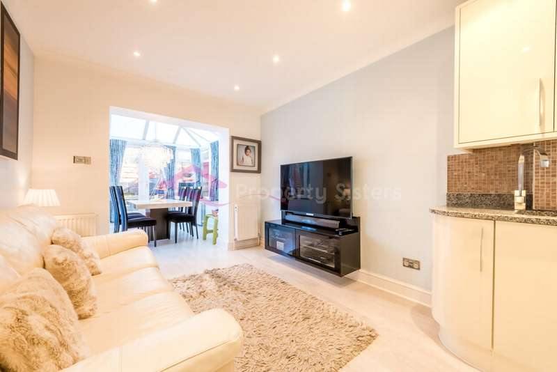 2 Bedrooms Apartment Flat for sale in Hale Lane, Mill Hill, NW7