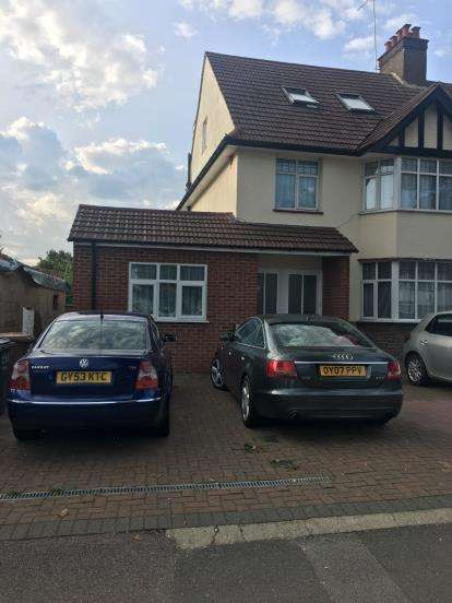 1 Bedroom Maisonette Flat for sale in Whitchurch Lane, Edgware, Middlesex