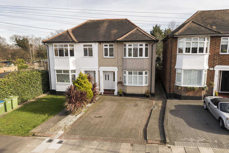 2 Bedrooms Ground Maisonette Flat for sale in Parkview Road, London, SE9 3QR