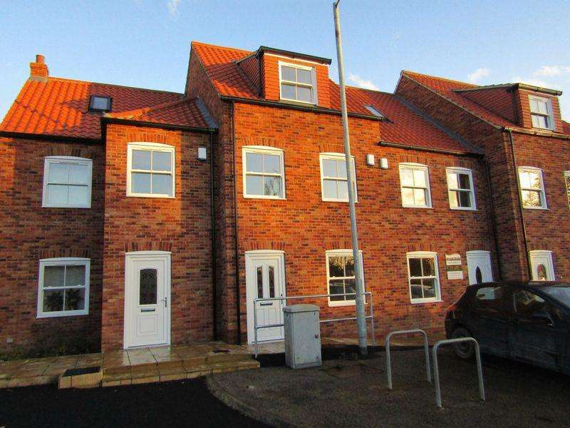 3 Bedrooms Terraced House for sale in Angel Mews, Elwes Street, Brigg