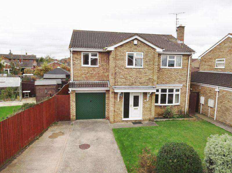 5 Bedrooms Detached House for sale in Long Close, Great Oakley