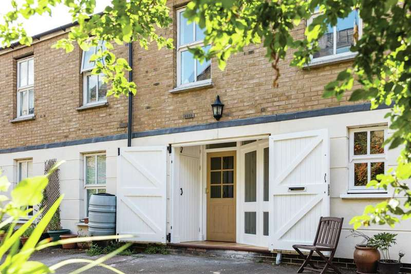2 Bedrooms Mews House for sale in Malvern Mews, NW6