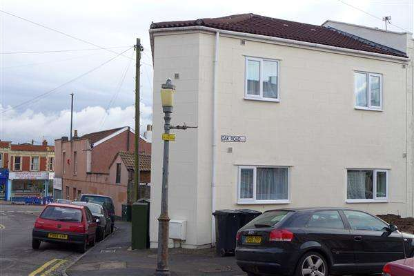 5 Bedrooms End Of Terrace House for rent in Oak Road, Horfield, Bristol