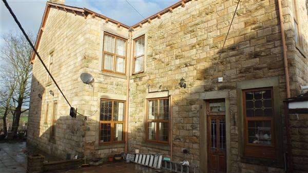 6 Bedrooms Terraced House for sale in Victoria Avenue, Brierfield