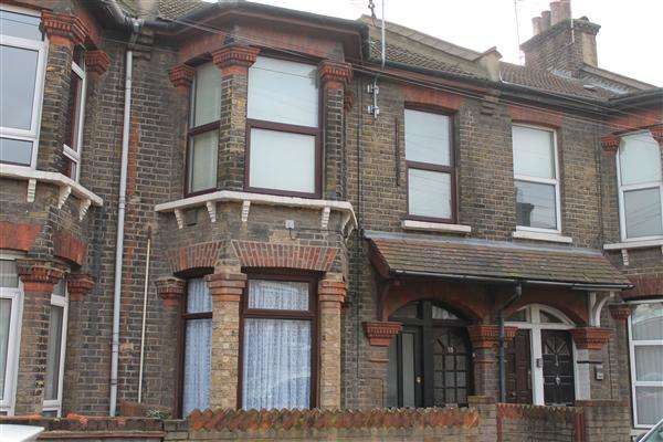 1 Bedroom Flat for sale in Boxley street, Canning Town, London