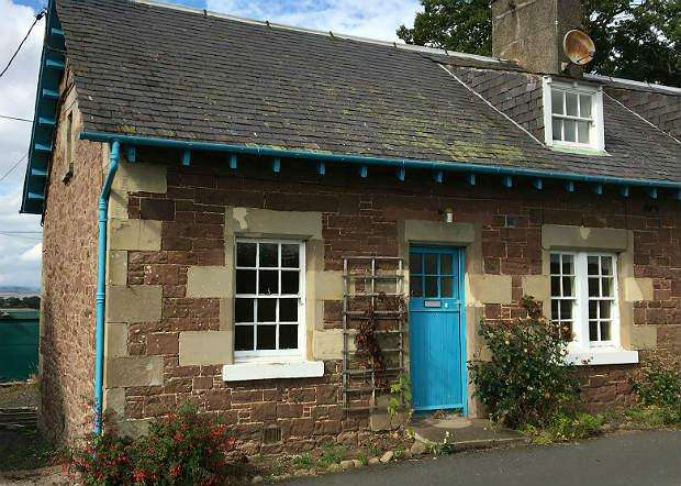 3 Bedrooms Cottage House for sale in 3 Easter Softlaw Fam Cottage, Kelso TD5 8BJ
