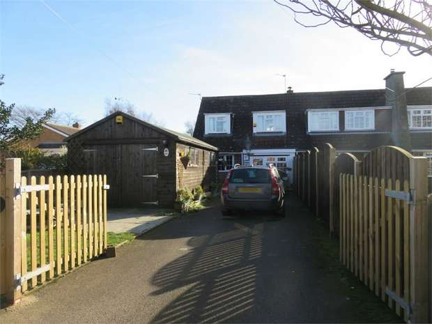 3 Bedrooms Semi Detached Bungalow for sale in Seas End Road, Surfleet, Spalding, Lincolnshire