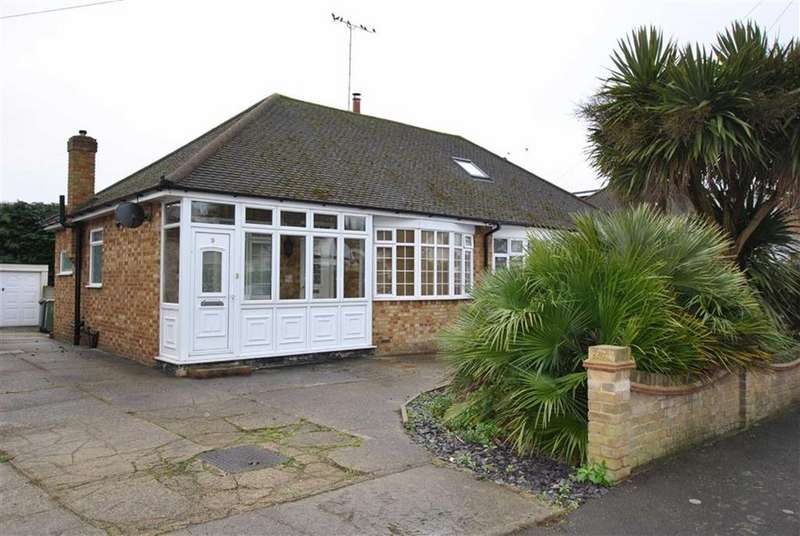 2 Bedrooms Semi Detached Bungalow for sale in Doric Avenue, Rochford, Essex