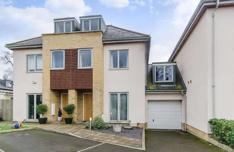 5 Bedrooms House for sale in Charterhouse Avenue, Wembley, HA0