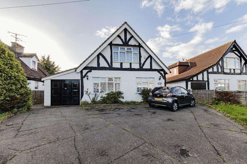 4 Bedrooms Detached House for sale in Findon Road, Worthing
