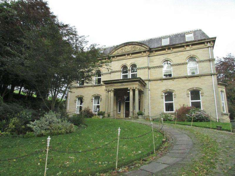 2 Bedrooms Apartment Flat for rent in Broadfold Hall, Booth, Luddenden
