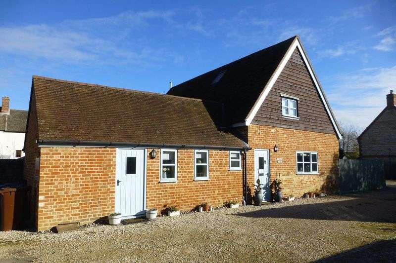 3 Bedrooms Property for sale in Merton Road, Ambrosden