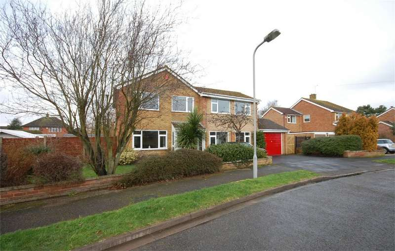 4 Bedrooms Detached House for sale in Edgecombe Road, Aylesbury, Buckinghamshire