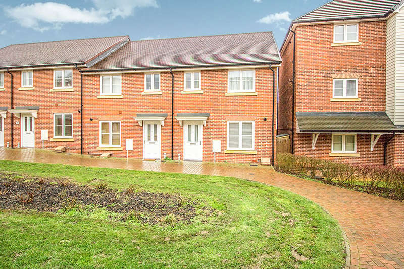 3 Bedrooms Property for rent in Gosling Walk, Maidstone, ME15