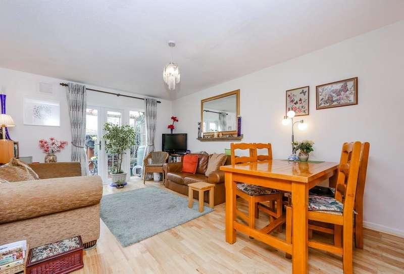 2 Bedrooms House for sale in Limetree Walk, London SW17