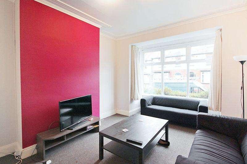 5 Bedrooms Terraced House for rent in Estcourt Avenue, Headingley, Leeds