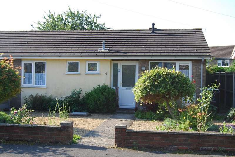 2 Bedrooms Detached Bungalow for sale in Bulstrode Avenue, Dereham NR19
