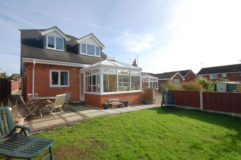3 Bedrooms Detached House for sale in Church Street, Rookery