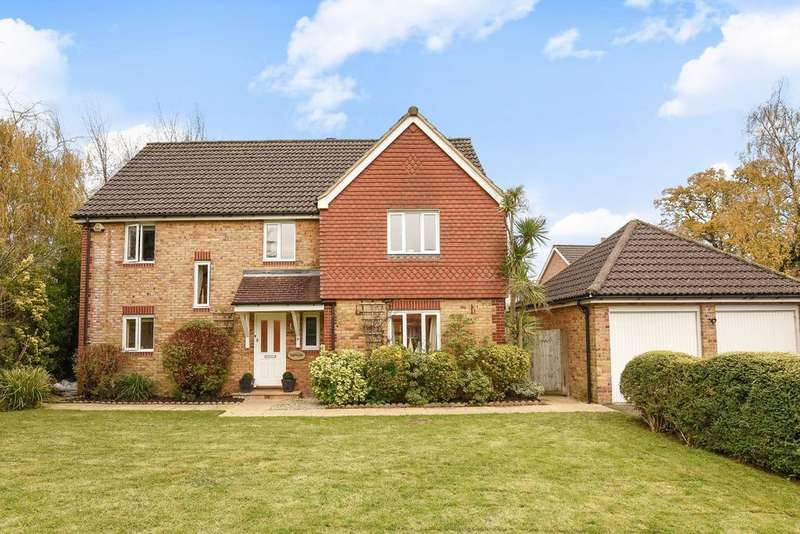 5 Bedrooms Detached House for sale in Leonard Way, Horsham, RH13