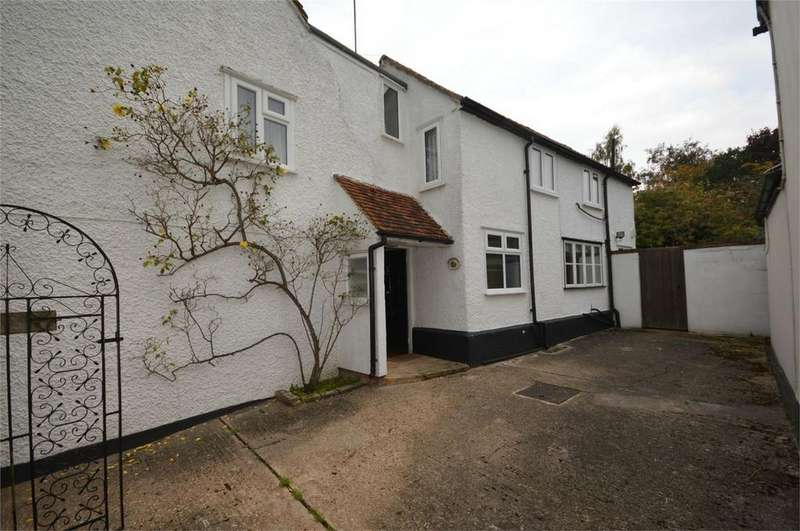 4 Bedrooms Detached House for sale in Beddalls, Vicarage Road, Finchingfield