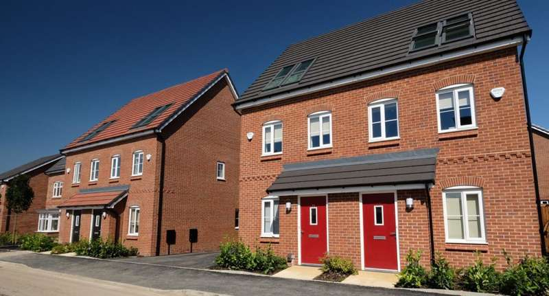 3 Bedrooms Semi Detached House for rent in Rose Street, Chadderton