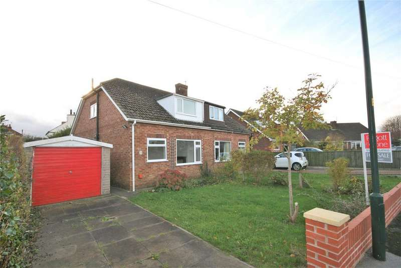 3 Bedrooms Semi Detached House for sale in Stanford Close, Laceby, DN37