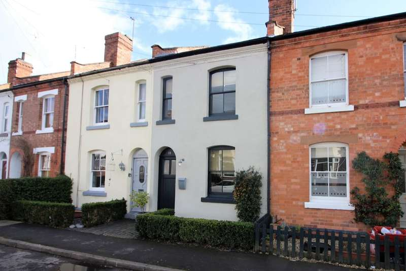 3 Bedrooms Terraced House for sale in Henry Street, Kenilworth, CV8