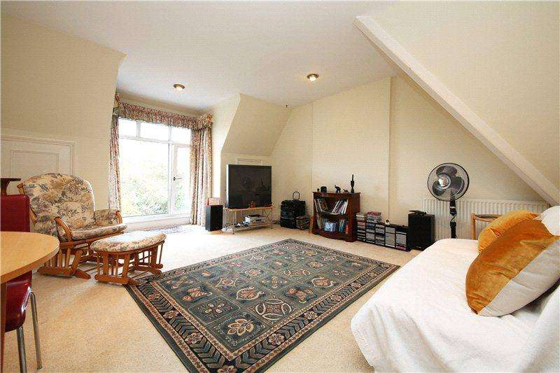 2 Bedrooms Flat for sale in The Grange, Wimbledon Village, London, SW19