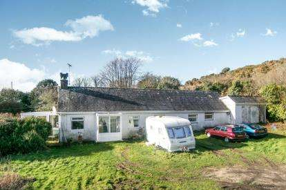 3 Bedrooms Detached House for sale in Mynydd Mechell, Amlwch, Anglesey, LL68