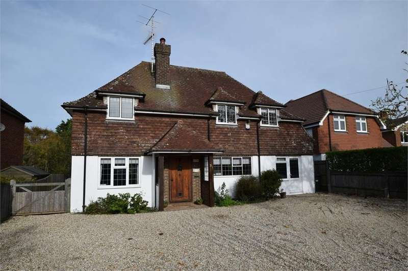 4 Bedrooms Detached House for sale in Huggetts Lane, Willingdon, East Sussex