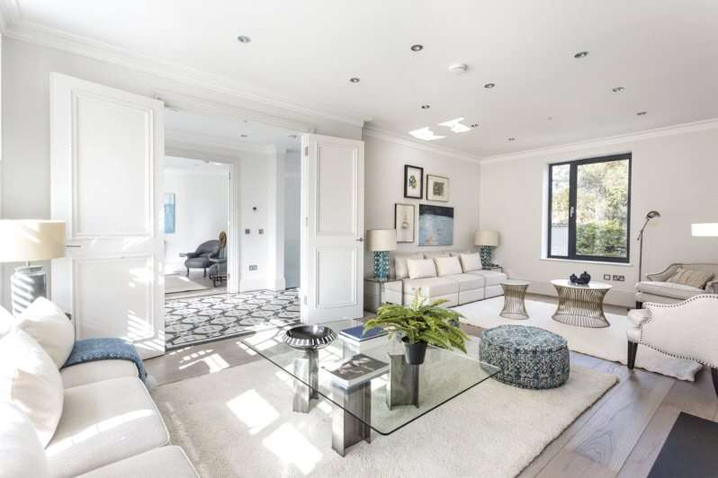 5 Bedrooms End Of Terrace House for sale in Cranbury Road, Sands End, South Park, Fulham, SW6
