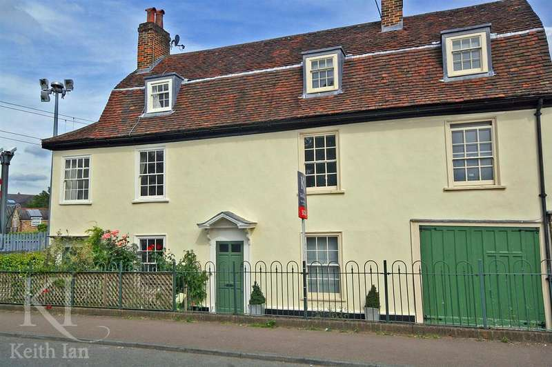 3 Bedrooms Semi Detached House for sale in Chadwell House, Ware