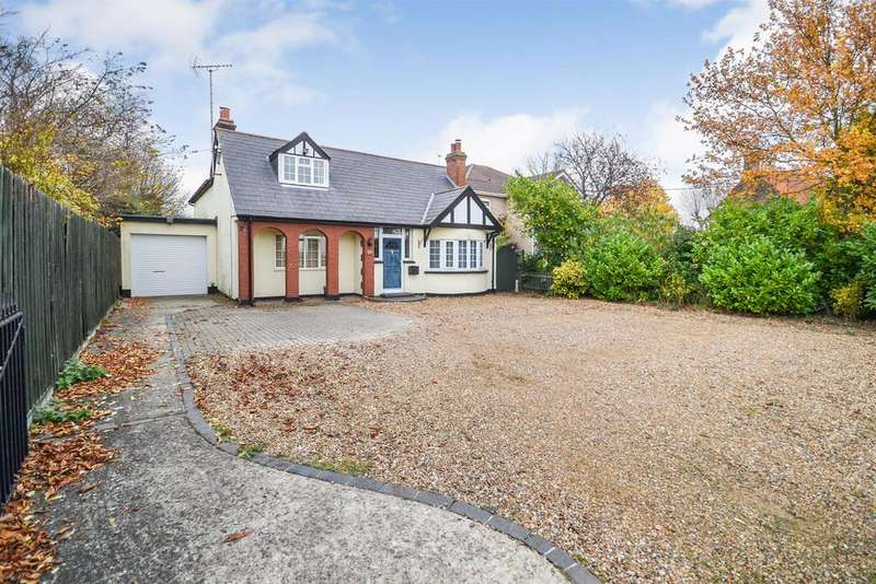 4 Bedrooms Chalet House for sale in Maldon Road, Burnham-on-Crouch