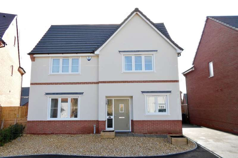 4 Bedrooms Detached House for sale in Moss Wood Court, New Broughton, Wrexham, LL11