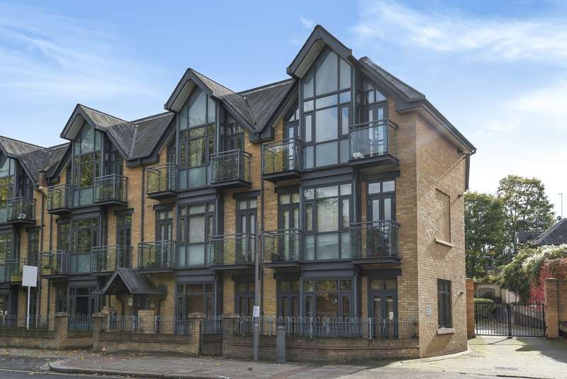 2 Bedrooms Ground Flat for sale in Putney Bridge Road, Wandsworth, SW18