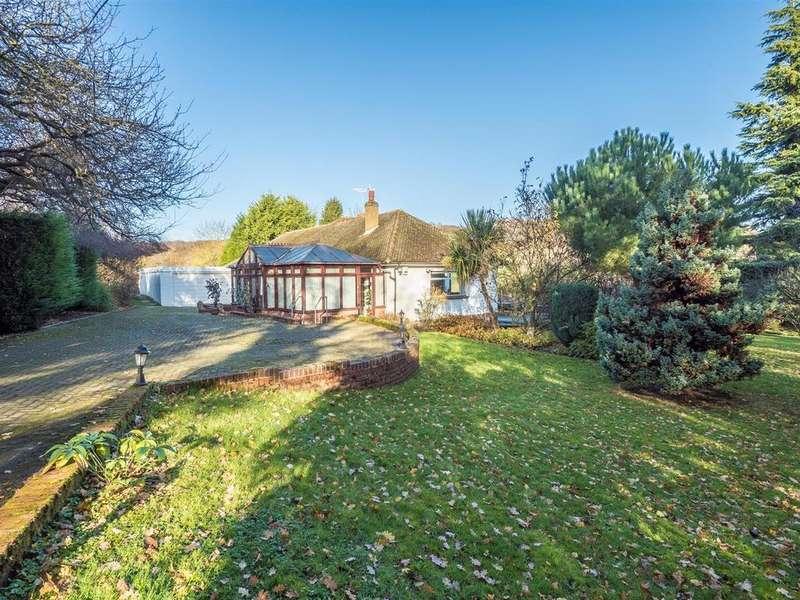 3 Bedrooms Bungalow for sale in Scragged Oak Road, Detling, Maidstone