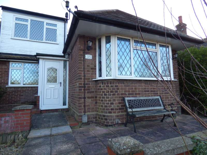 3 Bedrooms Semi Detached Bungalow for rent in Falconers Road, Luton Airport Area