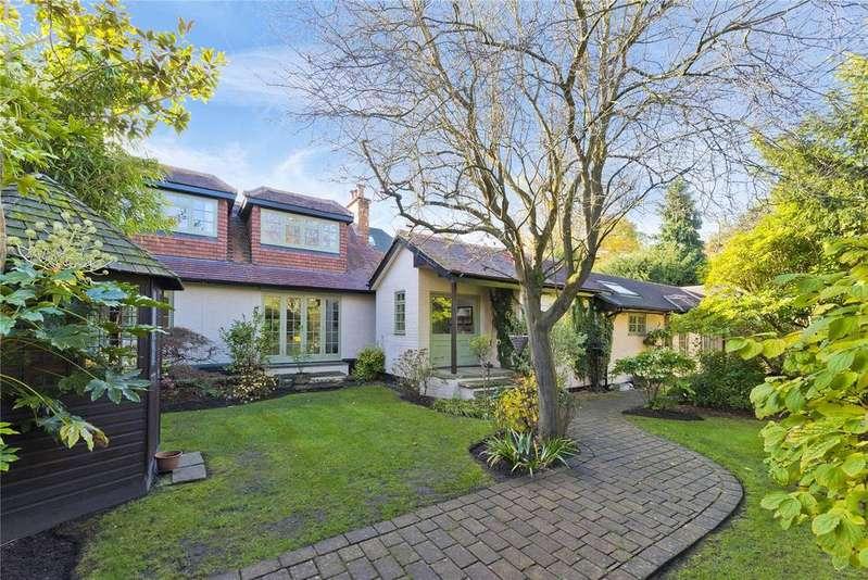 3 Bedrooms Link Detached House for sale in Cavendish Road, Weybridge, Surrey, KT13