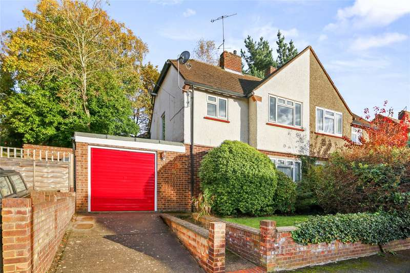 3 Bedrooms Semi Detached House for sale in Campbell Road, Weybridge, Surrey, KT13